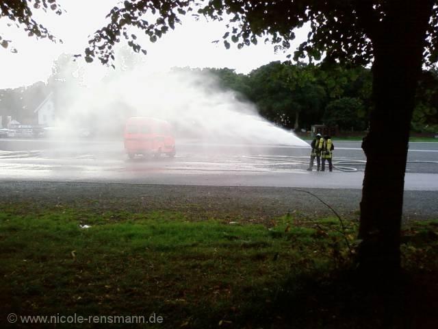 Feuerwehr wäscht Auto?