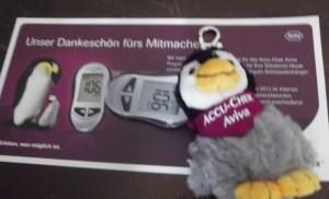 Ein Pinguin brauchte einen Namen. Als Dankeschön erhielt jeder diesen süßen Pinguin-Schlüsselanhänger. Er hängt an meinem Rucksack. Sehr süß und danke an www.accu-chek.de