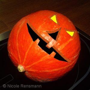 Hokkaido ... nicht der klassische Halloweenkürbis, aber zum Kochen perfekt!