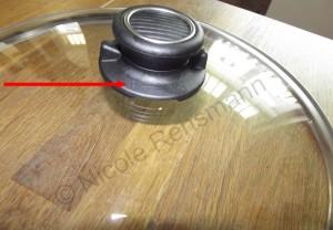 Der Knopf des Deckels ist drehbar.